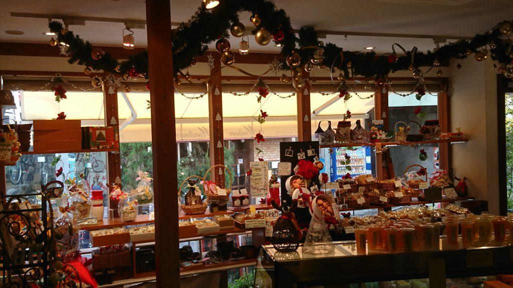 店内のクリスマス飾り